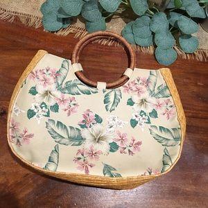 Vintage straw vacation handbag